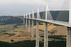 Viaduc de Millau, France (blafond) Tags: occitanie aveyron france viaduc viaducdemillau millau bridge architecturalmasterpiece architecture
