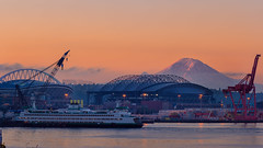 Mount Rainer Pier 66 Sunrise 9.27.18 (pablo.guzman333) Tags: mount rainier ferry sunrise pier 66 pnw pacific northwest