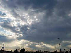 20190817_183014 (tomcomjr) Tags: samsung galaxy android s7 clouds sky gray white sunrays