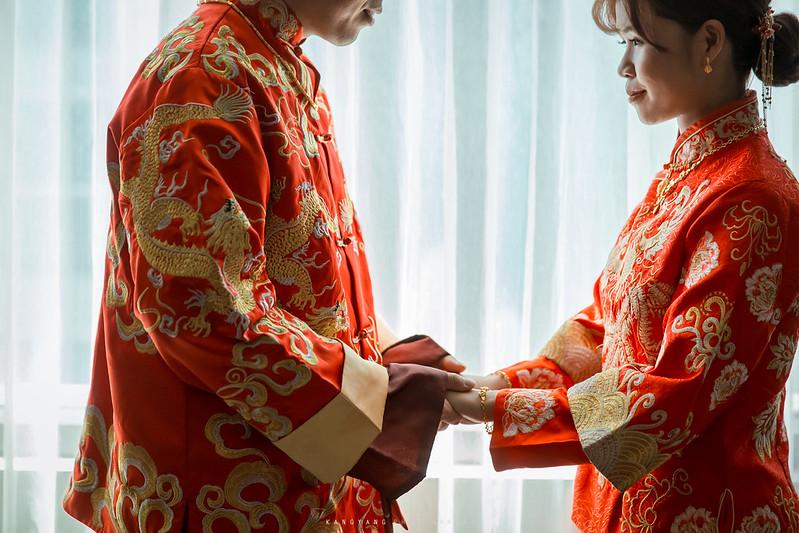[台北婚攝] Shawn&Lara 早儀晚宴 婚禮攝影 @ 士林青青食尚花園會館 費加洛教堂 | #婚攝楊康