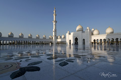 The courtyard (Sahan) (marko.erman) Tags: cheikhzayed grandmosque abudhabi unitedarabemirates uae mosque architecture beautiful marble white minaret domes courtyard reflections flowerpattern wideangle sony pov travel popular famous sahan islam islamic