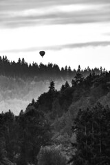 Balloon (RedRing Pictures) Tags: hot air balloon valley black white