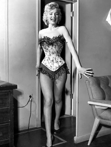 """Marilyn Monroe durante el rodaje de """"Río sin Retorno"""" (River of No Return), 1954"""