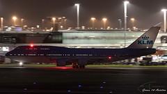 KLM B747 (Ramon Kok) Tags: 744 747 747400 747400m 74m ams avgeek avporn aircraft airline airlines airplane airport airways amsterdam amsterdamairportschiphol aviation blue boeing boeing747 boeing747400 boeing747400m eham holland kl klm koninklijkeluchtvaartmaatschappij nightshot phbfi royaldutchairlines schiphol schipholairport thenetherlands luchthavenschiphol noordholland nederland