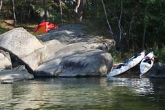 Semester (Håkan Jylhä (Thanks for +1000000 views)) Tags: håkan jylhä sony rx10iv semester vaccation kajak kayak tent tält skärgård röd red archipelago sweden sverige kust coast