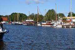 Vareler Hafen (grasso.gino) Tags: deutschland germany varel nikon d7200 hafen harbour wasser water schiffe ships