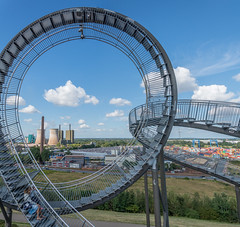 circle squared (stevefge) Tags: 2019 deutschland duisburg duitsland germany magicmountain ruhr tigerturtle people family women candid unsuspectingprotagonists unsuspecting industry coolingtowers steps steel installation reflectyourworld nikon