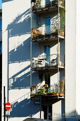20190723-120-Balcony shadows (Roger T Wong) Tags: 2019 frankfurt germany rogertwong sel24105g sony24105 sonya7iii sonyalpha7iii sonyfe24105mmf4goss sonyilce7m3 balcony buildings city shadow street travel