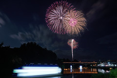 mood of evening (peaceful-jp-scenery (busy)) Tags: fireworks display summer festival yamagata suigo oe mogamigawariver 水郷大江夏まつり灯ろう流し花火大会 最上川 97回 西村山郡大江町 寒河江 山形 日本 sony α99ⅱ a99m2 ilca99m2 amount sal2470z variosonnart2470mmf28za carlzeiss