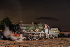 2999 Lady of Legend at night (graham.trimming) Tags: didcotrailwaycentrereturn saintaugust2019gwrgredidcot railway centre returnofthesaint august 2019 gwr greatwesternrailway timelineevents