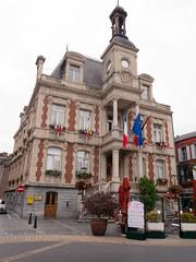 Givet - Hôtel de ville (yannick085) Tags: france givet grandest ardennes
