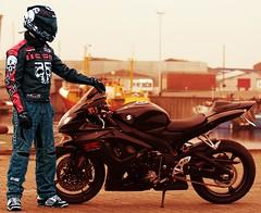 R GSX (driver Photographer) Tags: 摩托车,皮革,川崎,雅马哈,杜卡迪,本田,艾普瑞利亚,铃木, オートバイ、革、川崎、ヤマハ、ドゥカティ、ホンダ、アプリリア、スズキ、 aprilia cagiva honda kawasaki husqvarna ktm simson suzuki yamaha ducati daytona buell motoguzzi triumph bmw driver motorcycle leathers dainese motorrad
