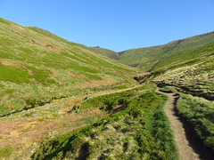 "Edale, England • <a style=""font-size:0.8em;"" href=""http://www.flickr.com/photos/136447376@N03/48565889257/"" target=""_blank"">View on Flickr</a>"