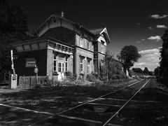Railway-Station, Wrexen, NRW (Thunderbird61) Tags: railwaystation railway wrexen nrw germany urban schwarzweis blackwhite zewartwit noirblanc neroyblanco nigeretalbus mono monochrome z bnw bw sw nb bn scherfede marsberg warburg diemelsee ostwestfalen pentax pentaxart mediumformat pentax645z thepast bahnhof