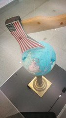 Art speaks (gumtau) Tags: usa world dilemma division artwork