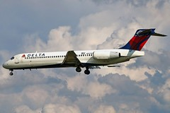 N937AT DELTA 717-200 at KCLE (GeorgeM757) Tags: clouds airplane airport aircraft aviation delta landing thunderstorms clevelandhopkins 6l 717200 kcle n937at canon70d n424tw georgem757
