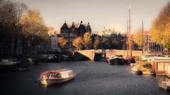 Amsterdam XV (rodriguesfhs) Tags: rodriguesfhs amsterdam holland dutch architecture city cityscape canal river water boat travel travelphotography photo photography