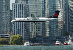 Air Canada Express / Bombardier Q400 / C-GGCI (vic_206) Tags: aircanadaexpress bombardierq400 cggci toronto