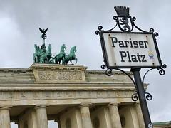 Pariser Platz (jglsongs) Tags: berlin deutschland germany pariserplatz brandenburgertor brandenburggate
