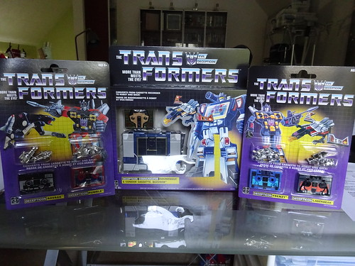 Transformers G1 Soundwave and Cassettes - Walmart - a photo