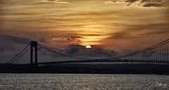Lazy sunset (BUSTER NYC) Tags: seuset verrazzano bridge brooklyn water canon 80d clouds new york