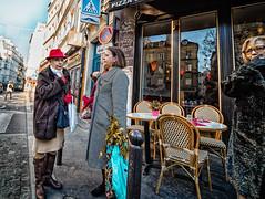 ShoppingChat2.jpg (Klaus Ressmann) Tags: omd em1 fparis france iaowa75mm klausressmann peoplestreet winter bourgeois candid chatting flcpeop shopping streetphotography unposed woman omdem1