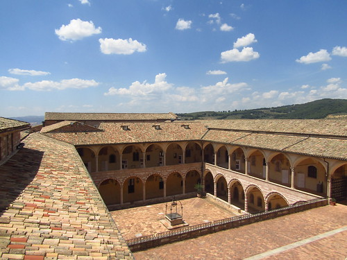 AssisiCourt