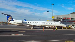 PA221354-2 (hex1952) Tags: yul trudeau usa unitedexpress united erj embraer erj145