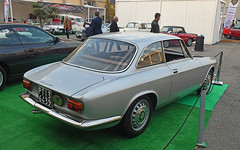 Alfa Romeo Giulia sprint GT // PT-136439 (baffalie) Tags: auto voiture ancienne vintage classic old car coche retro expo italia sport automobile racing motor show collection club course race circuit italie padoue fiera moto bike motorbike motocycle