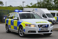 WA12 FHK (S11 AUN) Tags: devon cornwall police volvo v70 d5 anpr video equipped rpu roads policing unit traffic car 999 emergency vehicle wa12fhk