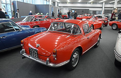Alfa Romeo Giulietta Spider Veloce Hardtop (1961) // TO-361200 (baffalie) Tags: auto voiture ancienne vintage classic old car coche retro expo italia sport automobile racing motor show collection club course race circuit italie padoue fiera moto bike motorbike motocycle