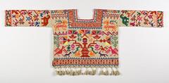 Blouse Blusa Mexican Puebla Nahua Textiles (Teyacapan) Tags: nahua blouse mexico textiles embroidery hueyapan puebla museum vestimenta