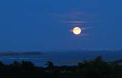 My Room With A View - Moonrise (Ken Meegan) Tags: myroomwithaviewmoonrise myroomwithaview moonrise bannowbay saltmills cowexford ireland 1582019 moon sea