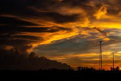 Stormcloud @ Sunset (Markus Branse) Tags: australia sunset abend evening tropen abendrot rot rood red roughe night sun sonnenuntergang sol wolken wetter weather territory northern australien aussie oz australie austral cloud clouds cloudy himmel heaven sky idylle batchelor thunderhead gewitter gewitterwolke