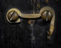 Fermé (Jack Heald) Tags: closed macromondays fermé box tools shut wood brass macro heald jack micro nikon d750 60mm minimalist latch