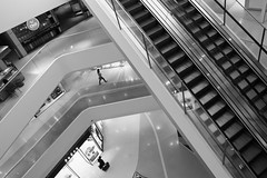 Une histoire de Niveau (Aphélie) Tags: ulan bataar bator mongolia mongolie centre commercial mall