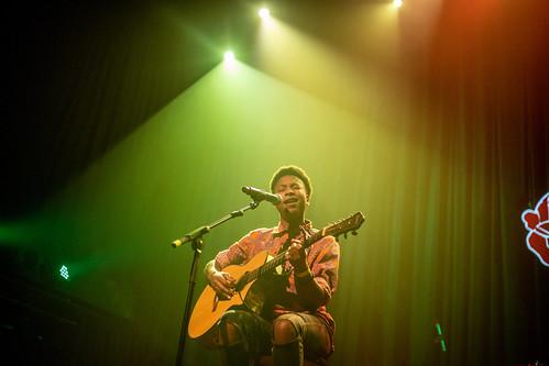 A.M strings (EUA) part. Laylah Arruda (Feminine Hifi)