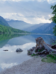 Bohinjsko Jezero (HolmisticWalker) Tags: bohinjskojezero lake fujipro400h fujiga645 6x45 sunset slovenia mountains triglav national park
