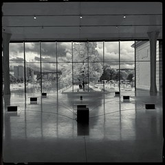 Luik (Willo Eurlings) Tags: luik museum belgië boverie hipstamatic zwartwit