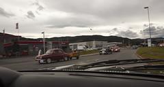 Veteran cars scattered all over Orkanger - IMG_6978-e (Per Sistens) Tags: cars thamsløpet thamsløpet19 orkladal veteranbil veteran mercedes mercedesbenz w136 ford taunus tc renault dauphine westfalia camper
