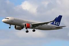 SE-ROA - LHR (B747GAL) Tags: sas airbus a320251n lhr heathrow egll seroa
