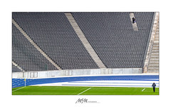 abseits - offside (mmsig) Tags: berlin flickr 2018 architektur architecture olympiastadion szene streetdetail canoneos wernermarch life sportstätte farbe