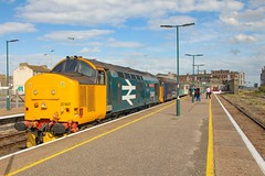 37407 at Lowestoft 2J83 1548 Lowestoft - Norwich 17/08/19. (chrisrowe37419) Tags: 37407 lowestoft 2j83 1548 norwich 170819 eastanglia shortset