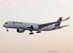 A350-900_QatarAirways_A7-AMB (Ragnarok31) Tags: airbus a350 a350xwb a350900 a350900xwb xwb a359 qatar airways a7amb