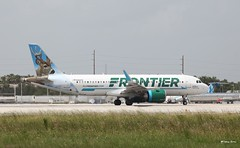 Airbus A320neo (N301FR) Frontier Airlines (Mountvic Holsteins) Tags: airbus a320neo n301fr frontier airlines miami international airport mia