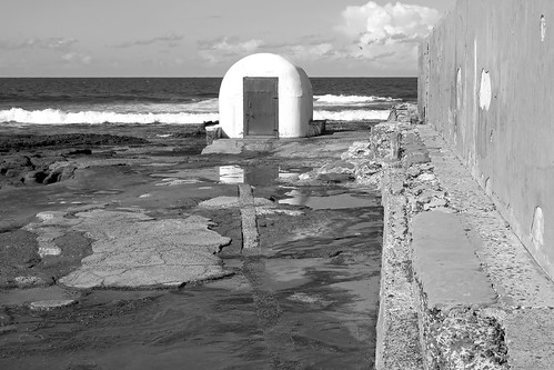 Newcastle Icon - Newcastle Ocean Baths - Pumphouse