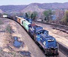 CR 9378-6901, Enola, PA. 4-22-1990 (jackdk) Tags: train railroad railway locomotive emd emdswitcher switcher switcherlocomotive cr conrail nh newhaven sw1200 emdsw1200 gelocomotive ge geu23c u23c transfer enola enolapa susquehanna susquehannariver standardcab fallenflag freighttrain freight cr9378 9378