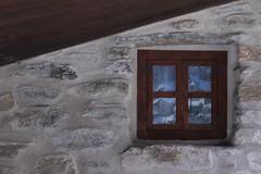 Particolari... (giuselogra) Tags: salicedulzio sauzedoulx piemonte piedmont italia italy italianmountains valsusa finestre window