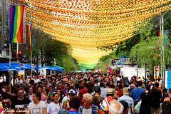 Jour de défilé LGBTQ2 à Montréal (photolenvol) Tags: parade gaypride montreal lgbtq2 village festival boulesroses