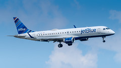 N373JB (gankp) Tags: ronaldreagannationalairport dca arrivals n373jb bestinblue jetblue embraer erj
